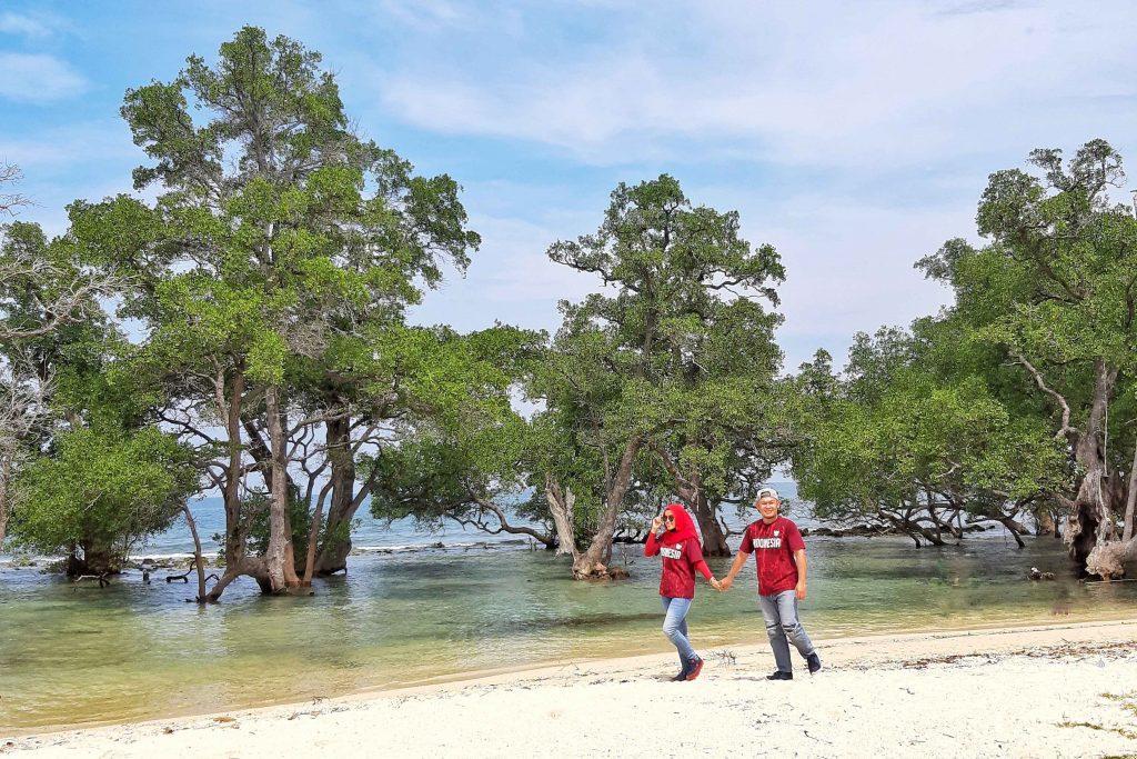 Pantai Lhok Mee Puncak Geurutee